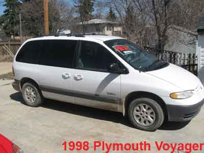 FOR SALE: 1998 Plymouth Voyager Mini Van: White - PIC 1